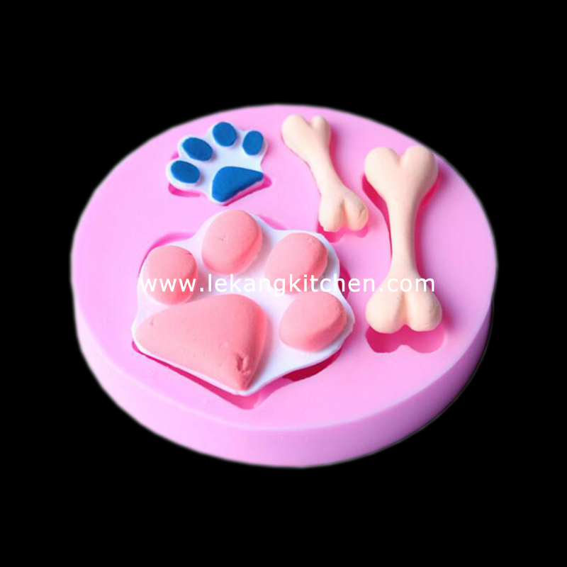 Silicone Cake Mould (Paw & Bone)